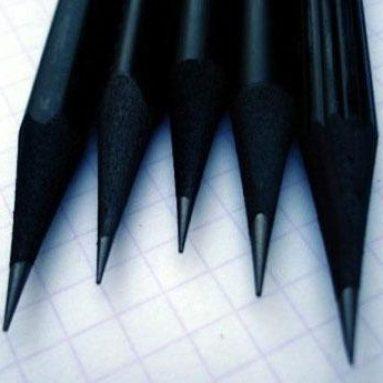 Crayons à teinture noire