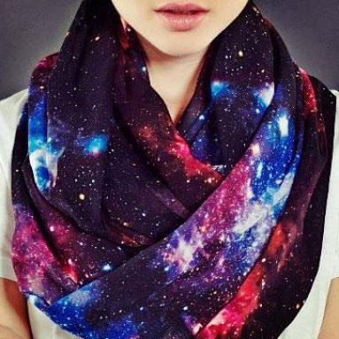 Echarpe couleurs de l'univers